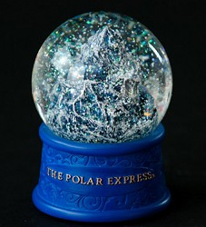 Polar Express Snow globe - Train Climbing Mountain